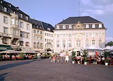 dieses Foto zeigt das Rathaus in Bonn